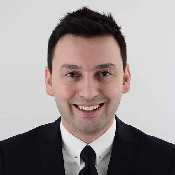 Dr. Serhat Aslan, a speaker for Dental Continuing Education at HKIDEAS